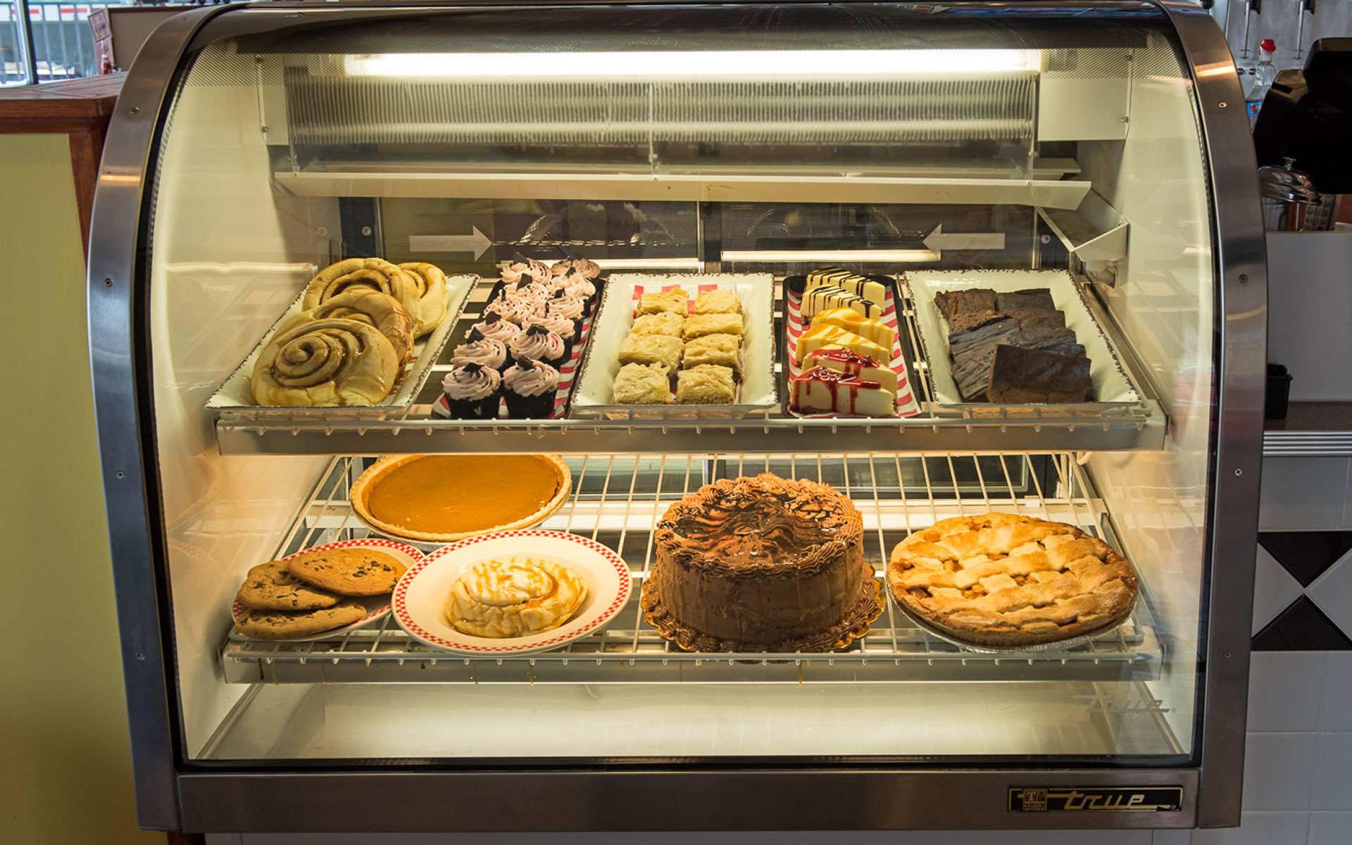 Desserts Cabinet- Zesdiner